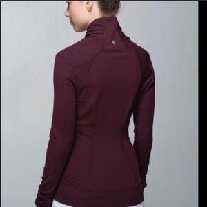 Lulu🍋 Bhakti Yoga Jacket Bordeaux Drama size 8